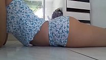 Gostosa de pijama seduzindo