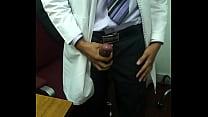 Mi doctor se pajea frente a mi Thumbnail