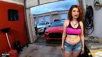 Roadside - Braceface Redhead Fucks To Get Her Car Fixed thumbnail