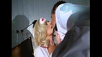 Chefarzt geht mit Krankenschwester fremd - Maria Montana Vorschaubild