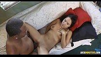 Teen Latina Angelina Stolie Takes A Monstrous Black Cock缩略图