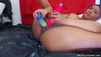 Ebony amateur toying in webcam show