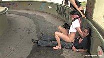 Promenade pour une chienne - Videos sado-maso Videos humiliations et baise publique pour soumise
