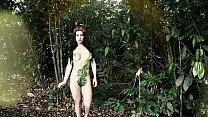 Pérola  Martinez em EVA NO PARAISO - videoclipe do ensaio fotográfico