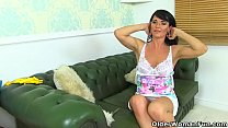 English milf Leah rather rubs her fanny than do cleaning thumbnail