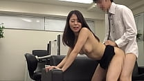 https://bit.ly/2RMqIRS What happens to the female boss who once allowed vaginal cum shot in front of the unequaled cock? The female boss who missed the last train and her subordinates are alone in a closed office! Japanese amateur homemade porn. [Part 2]