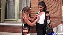 Tiffany Leiddi accompanies Mélissa for a very hard gangbang