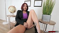 Redhead busty mature stepmom played with her we...