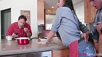 Download video bokep Eggs & Bacon With Brunette Mom- Melissa Lynn 3gp terbaru
