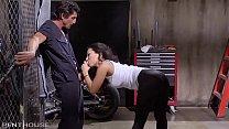 Download video bokep Asa Akira craves Tommy Gunn's expert service. 3gp terbaru