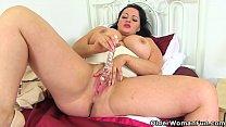 British BBW milf Devon Breeze enjoys dildoing her fanny صورة
