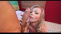 Tranny welcomes knob in booty