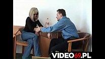 Polskie porno - Mamuśka zwabiona do domu na szybkiego lodzika