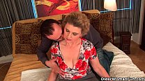Busty grandma in stockings gets her hairy pussy...