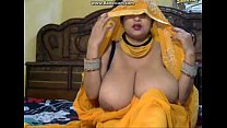 BIG BOOBBY  DESI BHABHI SHOWING FULL NUDE