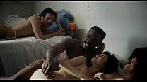 Novinha gostosa Musa faz sexo em grupo na casa do pais