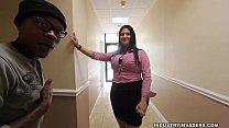 Kim Cruz Thick Latina gives BBC Blowjob in her Office Vorschaubild