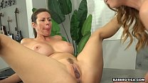 Solo session becomes a duet with Alexis and Dani, in 4K
