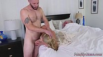 Mom playfellow's daughter facial and is your daddy home first time