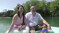 Download video bokep Ce couple libertin baise dans le canapé de la b... 3gp terbaru
