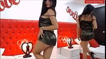 sexy modelo webcam bailando en su sala de chat-... thumb