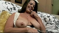 Naughty old spunker with nice big knockers loves to fuck her juicy pussy Vorschaubild
