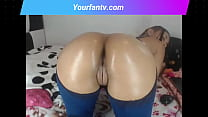 Latina brunette with delicious ass makes a show on her webcam