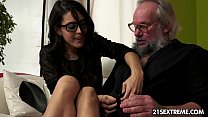 Geek girl Carolina loves to fuck older guys