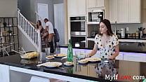 My MILF Mom Gets Acquainted With My Boyfriend- Crystal Rush