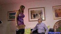 British beauty gets twerking for old man