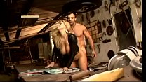 Horny subnurnt ragsorter penetrates gorgeous blonde with big melons and juicy keyster in black leather outfit Vivi Ronaldinha in his workshop