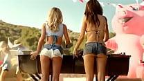 BBQ's Commercial (Underwood and Ratajkowski)