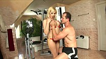 Hot blonde secretary Donna Bell put her boss a crimp in gym