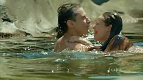 Paolla Oliveira nadando pelada em Felizes Para Sempre preview image