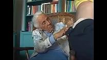 Download video bokep abuelita gastando la pension 3gp terbaru