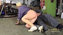 German - Old Bitch fucked hard in the workshop Vorschaubild