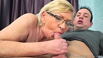 Fat hairy granny and her younger lover Vorschaubild