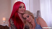 Lesbo lovers Roxi Keogh & Amber Jayne lick their shaved wet pussies in 69