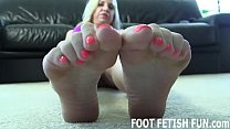I Want To Feel Your Tongue On My Sexy Little Feet