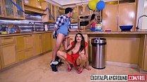 XXX Porn video - My Girlfriends Hot Mom - (Missy Martinez, Bambino) صورة