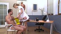 Tarra White, Graziella Diamond, infirmières enculées par un homme mure. Preview