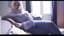 مصرية محجبة تتناك من خليجي بتقولو نروح البيت عشان اخي مايشوفنا الفيديو كامل في الرابط صورة