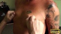 Cuckholding british submissive in chokeplay صورة