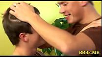 Cute gay dude bonks bareback