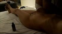 marido corno ve esposa sendo massageada por outro homem