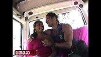 sexo dentro de uma van - procurei uma morena e ela topo fuder na minha van صورة