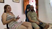 La pareja porno más demandada por su audiencia pamela y jesus una pareja amateur están en casa confinados por culpa del COVID19 Coronavirus su tiempo lo dedican a jugar al fútbol con un reto bastante porno