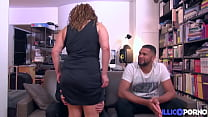 Khayna, arabian milf, offers herself to two young people for a good fuck