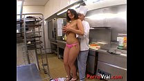 The Arab waitress fucks the chef in his restaurant !!! French amateur