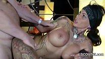 Deutscher Tattoo Star Kitty Core bei privaten Gruppensex